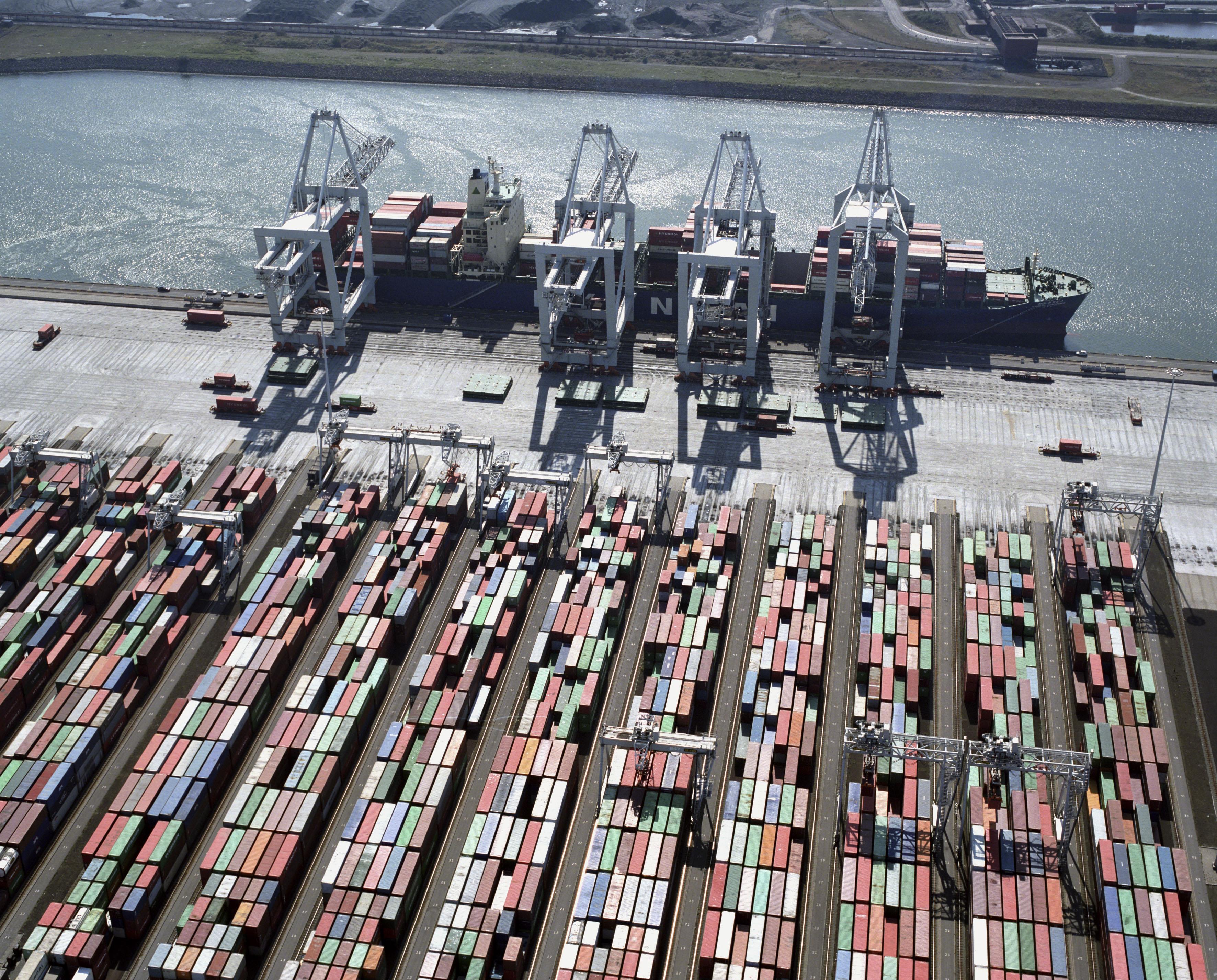 El Puerto De Rotterdam Holanda Mar Y Gerencia